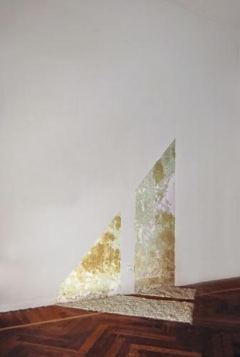 Without a title (from: Propagazione della luce all'interno del mio studio)_2008,10, intervention on wall, dimensions variable