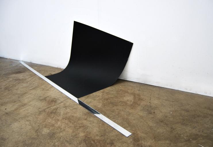 "Free fall,2016,acrylic mirror,black paper, cm.""160x70x55"""