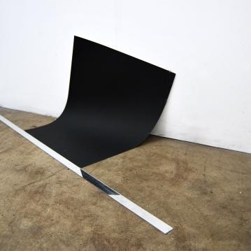 "Free fall,2016,acrylic mirror,blac paper, cm.""160x70x55"""