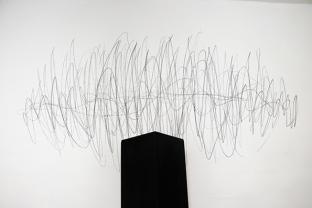 Vibration,2017, graphite on wall, cm.220x115